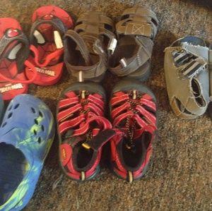 Little boy shoes size varies